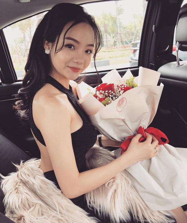 Thủy Tiên sinh năm 1997, hiện làm công việc kinh doanh và sống tại Hà Nội