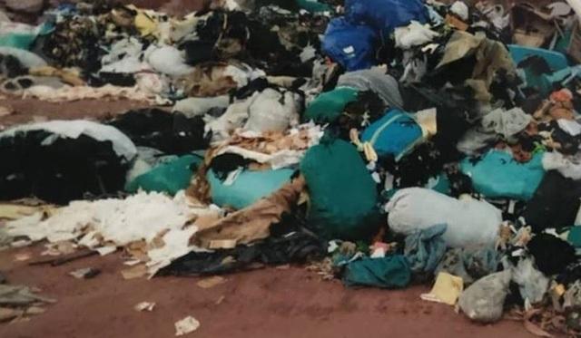 Vụ đổ trộm rác thải táo tợn tại Bắc Giang: Người dân tố có đầu gấu bảo kê? - Ảnh 3.