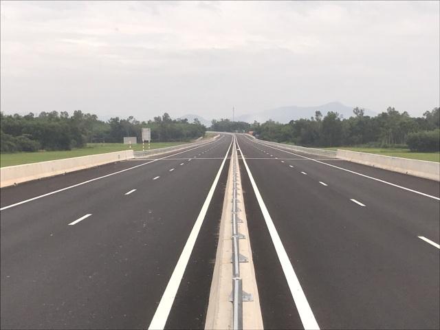 Tuyến cao tốc Đà Nẵng - Quảng Ngãi được coi là con đường tạo cơ hội, sẽ chính thức thông xe toàn tuyến vào ngày 2/9