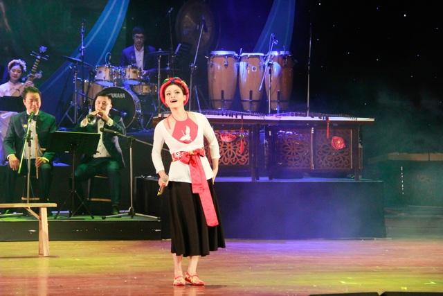 Phạm Phương Thảo giành Huy chương vàng với ca khúc do chính mình sáng tác - 2