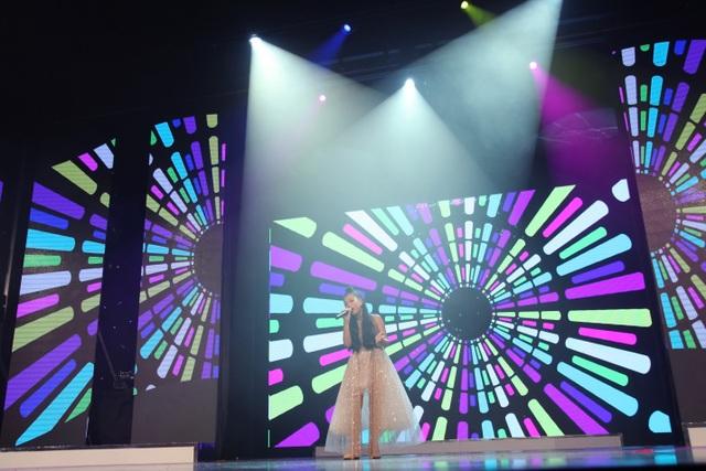 Trình diễn trang phục dạ hội là phần thi cuối cùng trong đêm chung kết MISS BABY VIỆT NĂM 2018. Các thí sinh trong những bộ trang phục dạ hỗi lỗng lẫy xuất hiện như những nàng công chúa trong chuyện cổ tích.