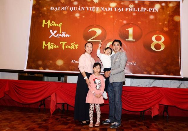 Anh Nguyễn Hữu Mai và gia đình hiện tại
