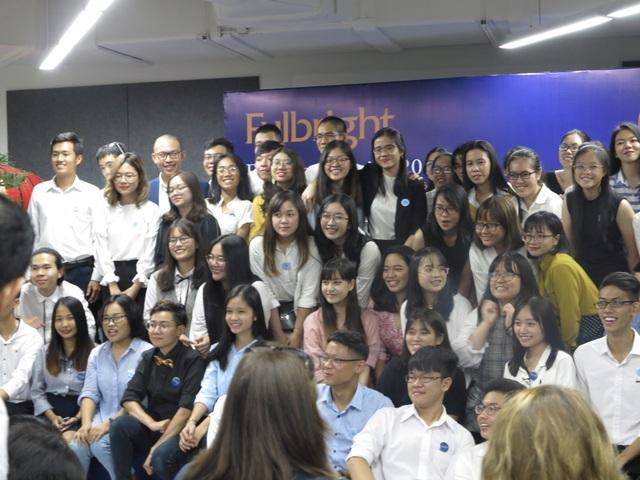 54 sinh viên khoá đầu tiên của trường ĐH Fulbright Việt Nam