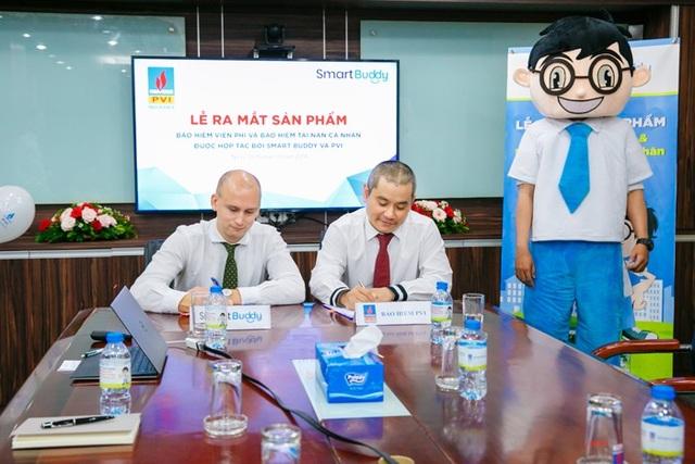 Đại diện Bảo hiểm PVI và SmartBuddy Việt Nam ký Thỏa thuận Hợp tác cung cấp sản phẩm bảo hiểm trực tuyến