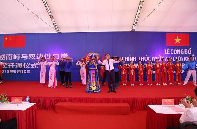 Nghệ sỹ hai nước biểu diễn chung bài hát Việt Nam - Trung Hoa, chào mừng sự kiện quan trọng