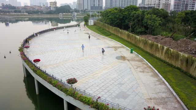 Toàn cảnh lá phổi xanh 130.000 m2 mới hoạt động ở Hà Nội - 10