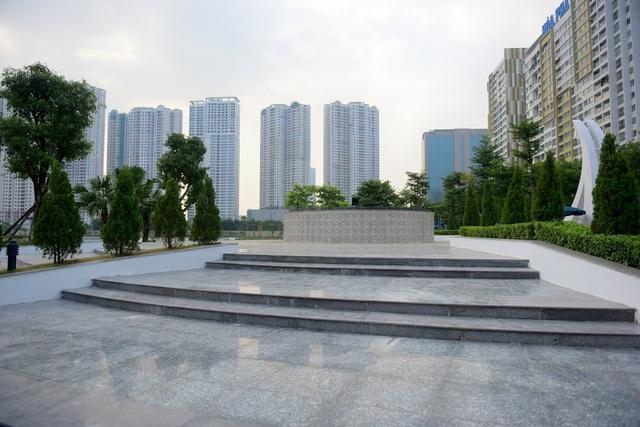 Toàn cảnh lá phổi xanh 130.000 m2 mới hoạt động ở Hà Nội - 3