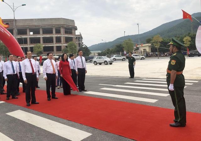 Ủy viên Bộ Chính trị - Phó Thủ tướng Chính phủ Vương Đình Huệ chỉ đạo triển khai các hoạt động công bố mở cặp cửa khẩu Chi Ma - Ái Điểm