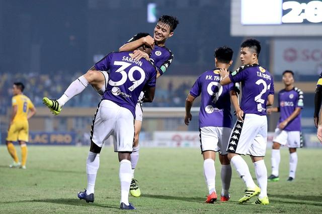 Hà Nội lên ngôi vô địch V-League 2018 sớm 5 vòng đấu - Ảnh: Gia Hưng