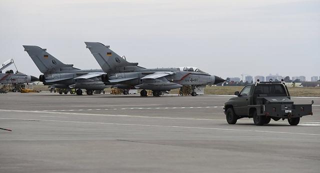 Máy bay chiến đấu Tornado của Đức tại một căn cứ ở Incirlik, Thổ Nhĩ Kỳ. (Ảnh: AFP)