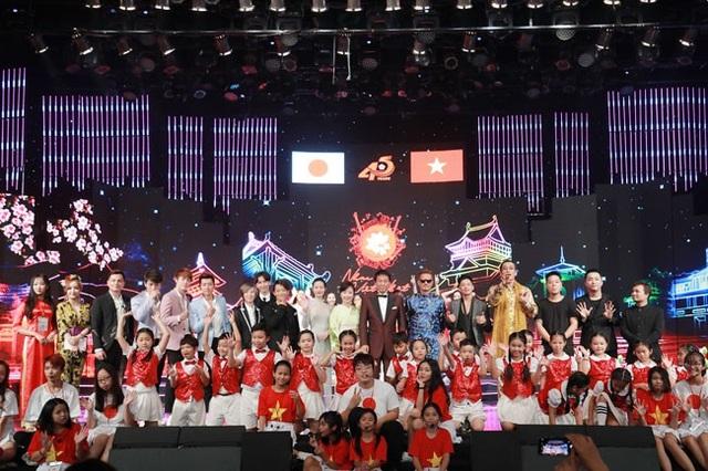 Đêm Nhạc hội Việt - Nhật 2018 khép lại với những ấn tượng đặc biệt trong không khí ấm áp của tình bằng hữu và mở ra những suy nghĩ cho sự gắn kết hợp tác âm nhạc giữa hai bên trong tương lai. Chương trình được phát sóng trên VTV1 tối ngày 15/9 tới.