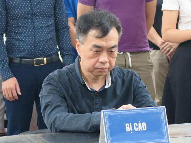Bị cáo Nguyễn Vũ Hùng tại tòa