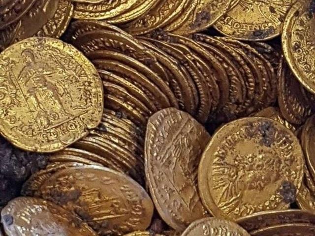 Phát hiện 2 tảng đá lẫn vàng trị giá 11 triệu USD - 5