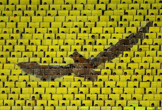 """""""Sự kiện này giống như lễ khai mạc Olympic vậy. Tôi nghĩ chủ đề thống nhất được đưa ra tại sự kiện này là tín hiệu quan trọng nhất cho thấy sự thay đổi (của Triều Tiên)"""", Gianni Merlo, người đứng đầu Hội Báo chí Thể thao Quốc tế, nói sau khi được Triều Tiên mời tới tham dự màn đồng diễn."""