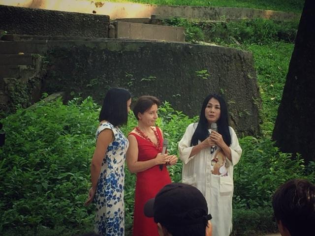 NTK Minh Hạnh xúc động khi phải nói lời chia tay với Đại sứ Ý Cecilia Piccioni - người có công rất lớn trong việc tăng cường mối quan hệ ngoại giao và giao lưu văn hoá, thời trang Ý - Việt.
