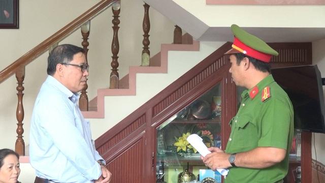 Cơ quan cảnh sát điều tra thực hiện lệnh bắt tạm giam đối với ông Nguyễn Tài
