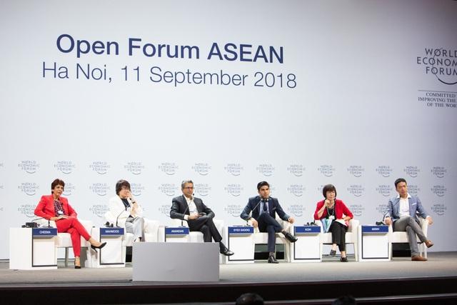 """Các diễn giả tham gia thảo luận tại Diễn đàn mở: ASEAN 4.0 cho tất cả?""""."""