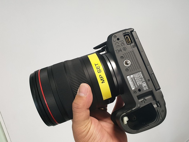 Trên tay máy ảnh mirroless full-frame đầu tiên của Canon tại Việt Nam - 3