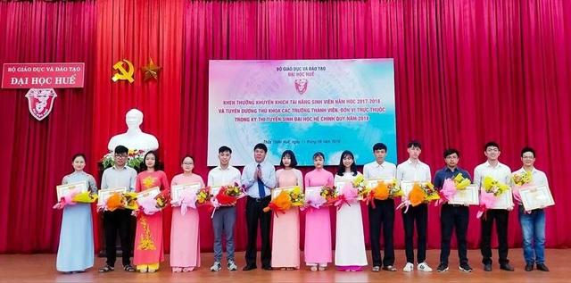 Các sinh viên tài năng của Đại học Huế được giải các kỳ thi cấp quốc gia, quốc tế
