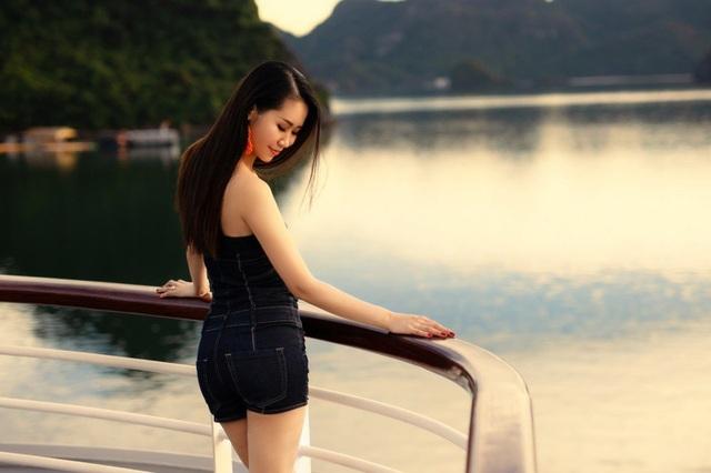 Vợ chồng Dương Thuỳ Linh hiểu được ý nghĩa và tầm quan trọng của việc thể hiện tình cảm, suy nghĩ với nửa kia. Vì vậy, suốt hơn 10 năm sống chung dưới một mái nhà, những lúc có thể, họ luôn tận dụng cơ hội để chia sẻ cảm xúc với nhau.