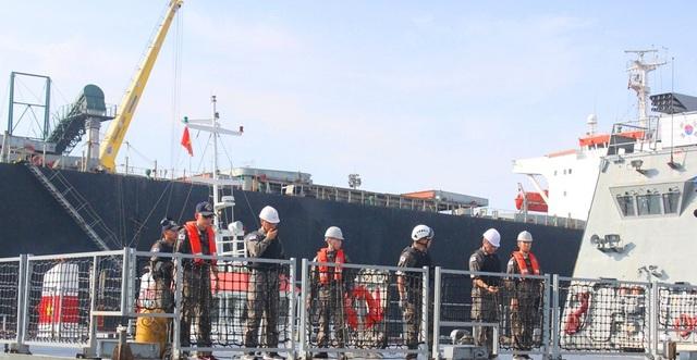 Có hơn 300 sĩ quan và thủy thủ cùng tàu Khu trục ROKS Moon Mu The Great đến thăm hữu nghị Đà Nẵng