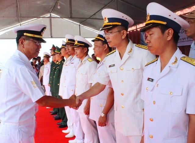 Lễ đón đoàn tàu Hải quân Hàn Quốc đến thăm Đà Nẵng được tổ chức trọng thể tị Cảng Tiên Sa
