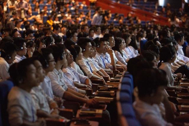 """Sinh viên tham dự phiên thảo luận tại Diễn đàn mở: ASEAN 4.0 cho tất cả?"""""""