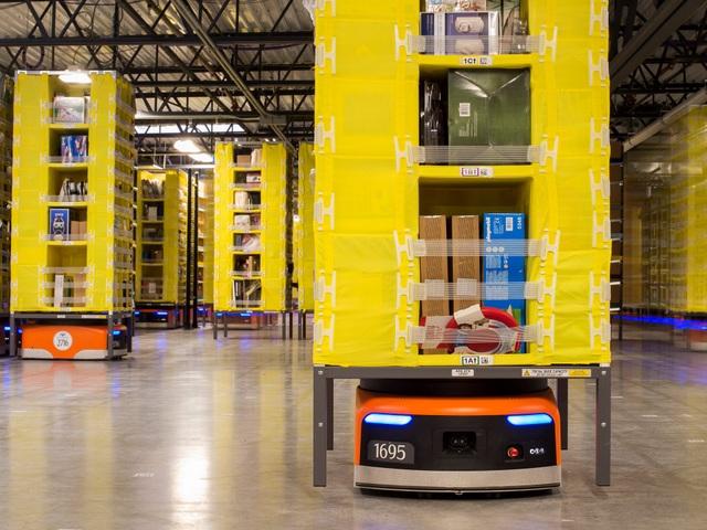 Amazon đang ứng dụng nhiều công nghệ robot và tự động hóa trong nhà kho, nhưng một số bằng sáng chế gần đây của họ đã bị dư luận phản đối dữ dội.