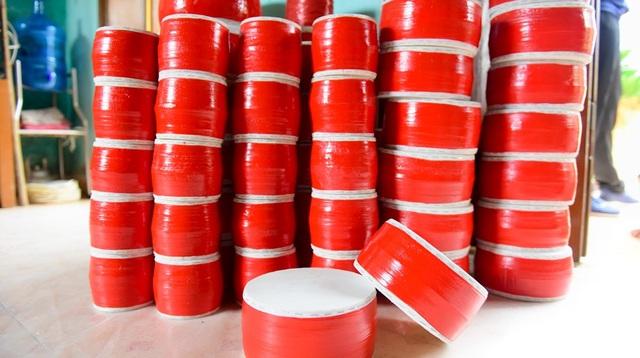 Vào dịp Trung thu, số lượng trống bán ra tăng mạnh, đa số do thương lái ở Hà Nội thu mua với giá trung bình từ 50 - 100 nghìn đồng mỗi chiếc.