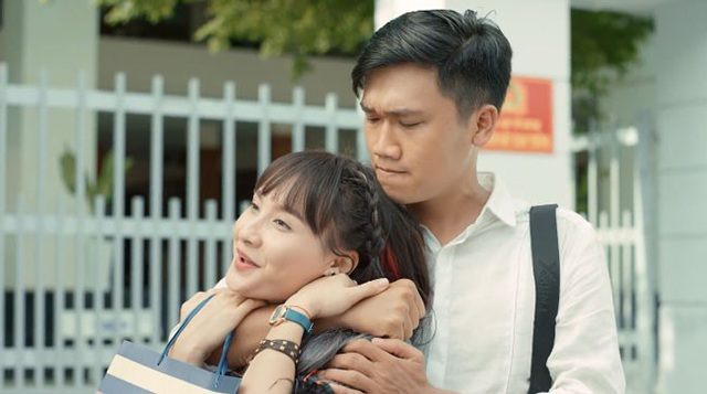 Bảo Thanh không thể nhịn được cười khi đóng phim cùng Xuân Nghị.