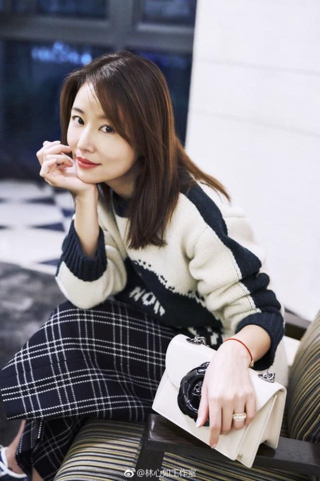 Bên cạnh việc làm vợ, làm mẹ, Lâm Tâm Như vẫn là một nghệ sĩ năng động và làm việc chăm chỉ. Cô không từ bỏ đam mê diễn xuất và thường xuyên được mời tham dự các sự kiện.