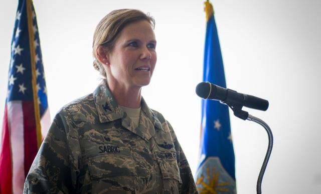 Đại tá Regina Sabric (Ảnh: Không quân Mỹ)