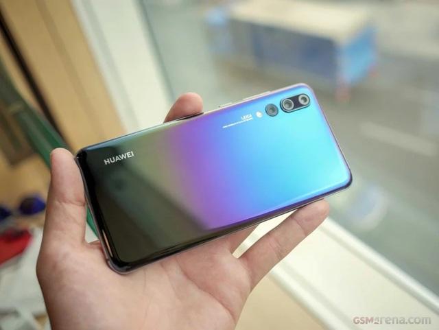 Doanh số Huawei P20 và P20 Pro đạt ngưỡng 10 triệu sau gần 6 tháng bán ra - 1