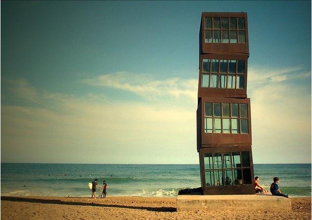Những bờ biển sở hữu bức tượng nổi tiếng thế giới - 2