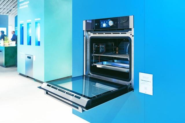 Thiết kế tinh tế, gọn gàng cùng với công nghệ tiên tiến khiến thế hệ bếp lò mới của Beko thu hút được nhiều sự quan tâm.