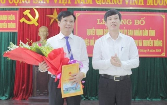 Ông Nguyễn Đình Xứng, Chủ tịch UBND tỉnh Thanh Hóa đã trao quyết định bổ nhiệm Giám đốc Sở Thông tin và Truyền thông tỉnh Thanh Hóa cho ông Đỗ Hữu Quyết