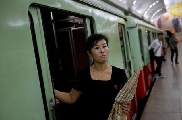 Được xây dựng sâu dưới lòng đất khoảng 100m, hệ thống ga tàu điện ngầm Bình Nhưỡng là một trong những mạng lưới giao thông sâu nhất thế giới.