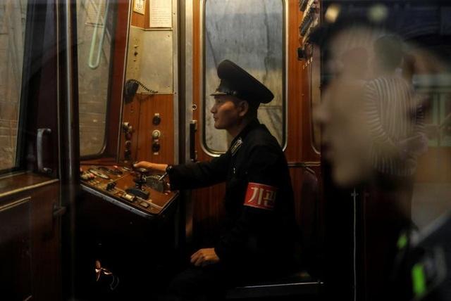 Những người phụ trách vận hành tàu tại Bình Nhưỡng.