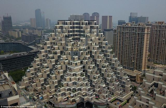 Công trình được thiết kế như những khối Lego xếp chồng lên nhau
