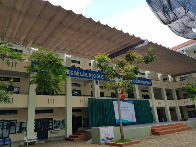 Một số hạng mục xây dựng tại Trường THPT Bình Hưng Hòa, Bình Tân xài của phụ huynh hơn nửa tỷ đồng
