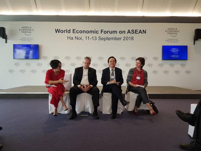 """Bộ trưởng Phùng Xuân Nhạ tham dự tọa đàm """"Xây dựng tri thức số trong ASEAN"""""""