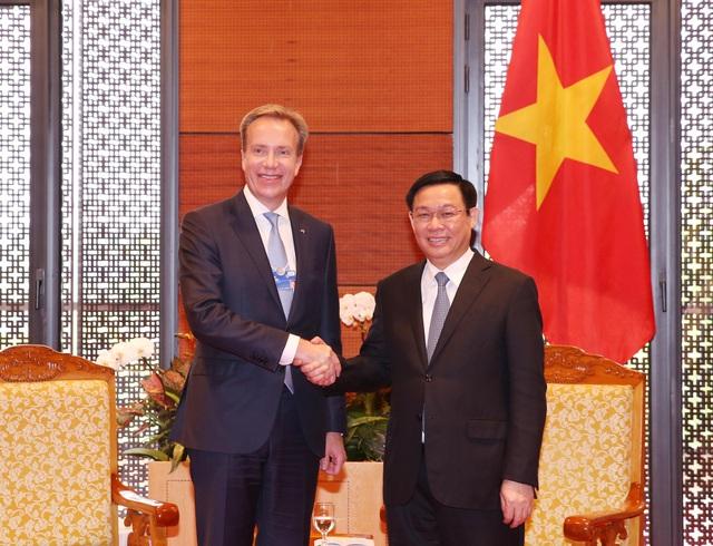 Phó Thủ tướng Vương Đình Huệ tiếp ông Borge Brende - Chủ tịch WEF