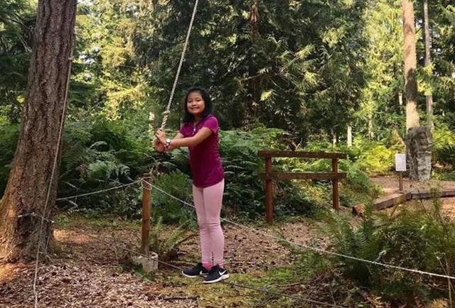 Con gái đầu của Dương Yến Ngọc sống cùng bố và đã được bố cho sang Mỹ đi học bé được 10 tuổi
