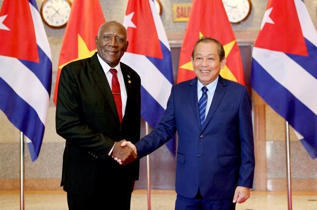 Phó Thủ tướng Trương Hòa Bình và Phó Chủ tịch Thứ nhất Hội đồng Nhà nước và Hội đồng Bộ trưởng Salvador Valdés Mesa
