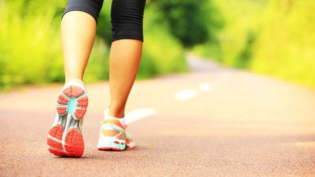 Đi bộ 20 phút mỗi ngày tốt cho tim chị em như thế nào? - 1