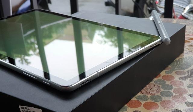 Đập hộp Galaxy Tab S4 với bút S Pen giá 17,9 triệu đồng tại Việt Nam - 4