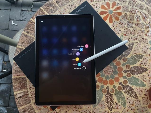 Đập hộp Galaxy Tab S4 với bút S Pen giá 17,9 triệu đồng tại Việt Nam - 8