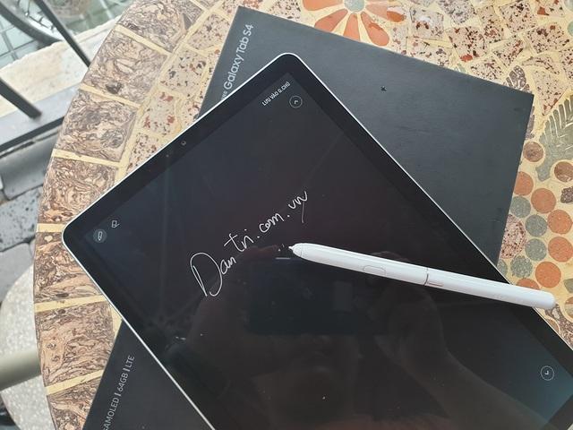 Đập hộp Galaxy Tab S4 với bút S Pen giá 17,9 triệu đồng tại Việt Nam - 10