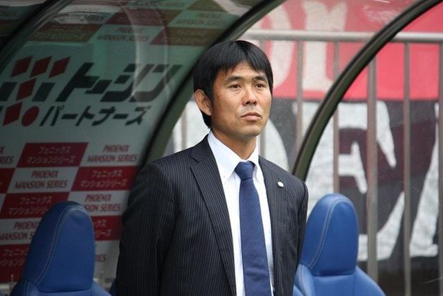 HLV Hajime Moriyasu tới từng CLB có cầu thủ chấn thương để xin lỗi