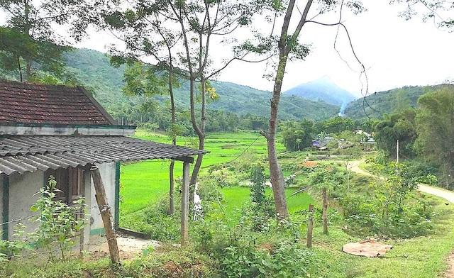 """Xã Tiền Phong, huyện Quế Phong được xem là """"tâm bão H"""" với hơn 412 người được phát hiện và điều trị, con số ấy sẽ còn cao hơn nếu tính cả số người đã tử vong vì H."""